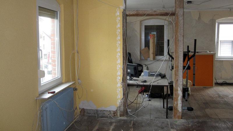 zuhause im gl ck es herrscht chaos s11e13 tv wunschliste. Black Bedroom Furniture Sets. Home Design Ideas