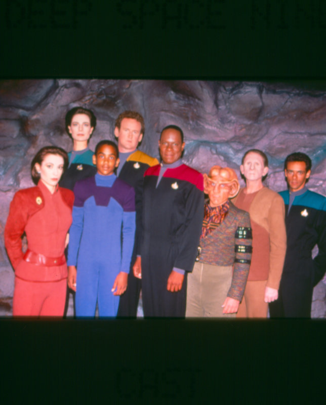 The Collins Family Episode 7 Ivy And Nicole: Deep Space Nine: Das Gesicht Im Sand (Image In