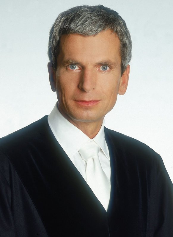 Richter Engeland Ehefrau