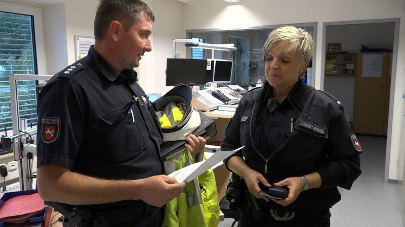 Dorfpolizist und Großstadt-Cop