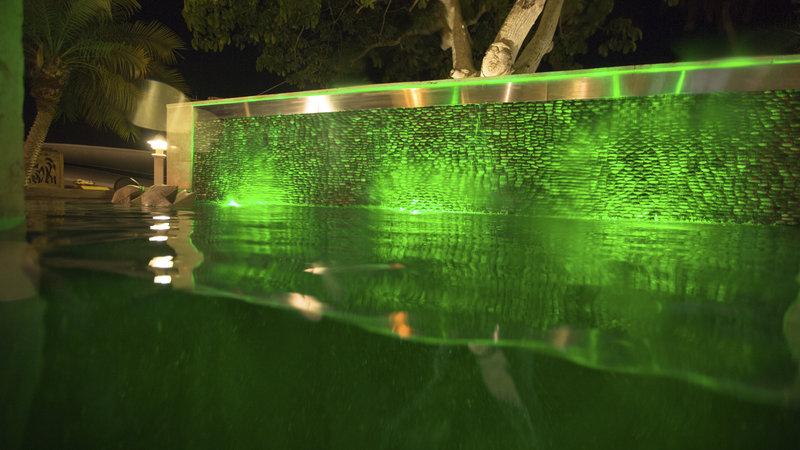 Die beckenbauer pools der superlative bilder tv - Die poolbauer ...