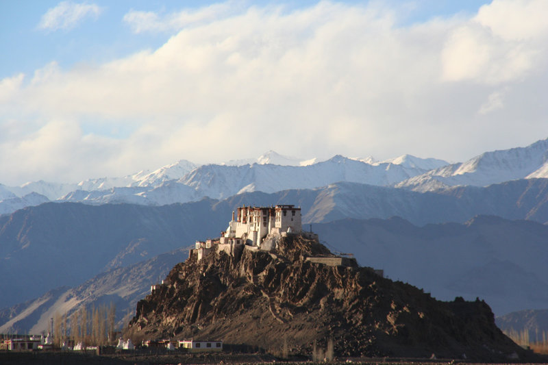 Eishockey, ein Mädchentraum im Himalaja