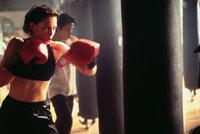 Die Ärztin Kate McTiernan (Ashley Judd) kann mit viel Glück dem unbekannten Mörder entkommen ...