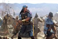 """Die Prophezeiung, """"ein Anführer wird gerettet werden, und der Retter selbst wird zum Anführer"""", wird wahr: Moses (Christian Bale) kann das Leben des Pharaonensohnes Ramses retten, doch dann macht er ihm das Leben als Befreier der Hebräer verdammt schwer ..."""