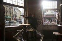 Jonas (Alexandar Jovanovic) erledigt schmutzige Jobs für seinen Boss, einen einflussreichen Drogendealer.