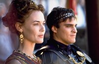 Lucilla (Connie Nielsen), Kaiser Commodus (Joaquin Phoenix)