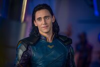 Tom Hiddleston (Loki).
