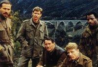v.l.n.r. Lescovar (Franco Nero), Barnsby (Harrison Ford), Mallory (Robert Shaw),  Miller (Edward Fox), Weaver (Carl Weathers)