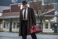 Jeff Bridges (Pater Daniel Flynn).