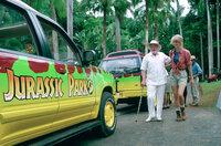 Noch sind der Milliardär und Jurassic Park Gründer John Hammond (Richard Attenborough, l.) und Dr. Ellie Sattler (Laura Dern, r.) frohen Mutes, doch schon bald wird aus dem Parkbesuch ein Kampf ums nackte Überleben ...