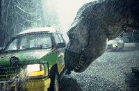 Als die Elektrozäune und alle anderen Sicherheitssysteme ausfallen, bricht auch der Tyrannosaurus Rex aus seinem Gehege aus. Und macht sich auf die Jagd nach Nahrung. Da kommen ihm die Menschen gerade recht ...