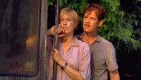 Für ihren Sohn würden Amanda (Téa Leoni, l.) und Paul Kirby (William H. Macy, r.) jedes Hindernis überwinden, doch werden sie auch ihre Rettungsmission zur Isla Sorna und damit das Eindringen in den Lebensraum der Dinosaurier überleben?