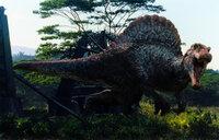 Um ihren verschollenen zwölfjährigen Sohn zu retten, überreden Paul und Amanda Kirby den Wissenschaftler Dr. Alan Grant mit ihnen zu der Insel Isla Sorna zu fliegen, doch als sie dort eintreffen, müssen sie sofort gegen die vielen fleischfressenden Dinosaurier ums Überleben kämpfen ...