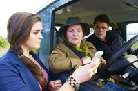 (v.l.n.r.) Claire Viner (Katherine Rose Morley); Vera Stanhope (Brenda Blethyn); Aiden Healy (Kenny Doughty)