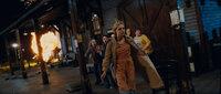 Eine US-Kleinstadt im Jahr 1979. (v.l.n.r.) Eigentlich wollten Cary (Ryan Lee), Joe (Joel Courtney), Alice (Elle Fanning) und Charles (Riley Griffiths) auf dem alten Bahnhof einen Super-8-Film für einen Schulwettbewerb drehen. Doch dann fliegt ihnen nicht nur ein entgleister Zug um die Ohren ...