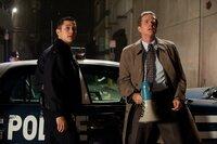 Blake (Joseph Gordon-Levitt, l.); Kommissar Gordon (Gary Oldman, r.)