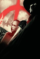 Vendetta (Hugo Weaving, r.) ist ein maskierter Freiheitskämpfer, der es sich zum Ziel gesetzt hat, das Regime des Kanzlers zu beenden! Bei einem seiner Angriffe gerät er in Bedrängnis, doch Evey (Natalie Portman, l.) kann ihn vor dem Schlimmsten bewahren...