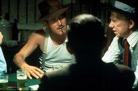 Henry (Paul Newman, l.) war vor Jahren in Fachkreisen ein gefeierter Betrüger, der in letzter Zeit allerdings mehr mit dem Alkohol als mit der Polizei zu kämpfen hat ...