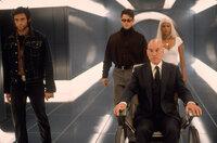 Professor X (Patrick Stewart, 2.v.r.) und seine X-Men: Wolverine (Hugh Jackman, l.), Cyclops (James Marsden, 2.v.l.) und Storm (Halle Berry, r.)