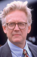 Senator Robert Jefferson Kelly (Bruce Davison) hat nur ein Ziel: Er will alle Mutanten registrieren - und am liebsten auch verbannen lassen ...