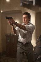 William Brandt (Jeremy Renner) war selbst mal Geheimagent und schiebt sich nun einen fürchterlichen Mord in Schuhe. Um etwas Gutes zu tun, hilft er Ethan bei der Verfolgung von Atombesitzern. Die Jagd führt sie über Russland nach Dubai und Indien ...