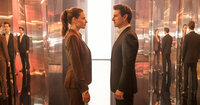 Ilsa Faust (Rebecca Ferguson, l.); Ethan Hunt (Tom Cruise, r.)