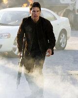 """Um ein ruhigeres Leben mit seiner Verlobten Julia führen zu können, hat Ethan Hunt (Tom Cruise) seine Arbeit beim IMF (""""Impossible Mission Force"""") aufgegeben - doch da macht ihm der Kriminelle Owen Davian einen Strich durch die Rechnung ..."""