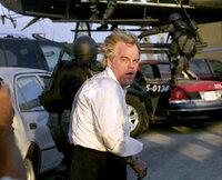 Der Waffenhändler Owen Davian (Philip Seymour Hoffman) führt nichts Gutes im Schilde ...