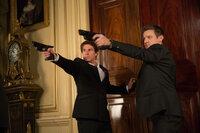 Geraten ins Schussfeuer: William Brandt (Jeremy Renner, r.) und Ethan Hunt (Tom Cruise, l.) ...