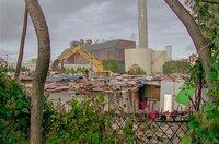 2015 wurden in den Pariser Vorstädten Hunderte Wohnblöcke abgerissen. Seitdem ist das daran angrenzende Seine-Saint-Denis wieder das französische Département mit den meisten Slums.