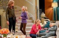 v.li.: Allison Janney (Bonnie), Kristin Chenoweth (Miranda), Anna Faris (Christy), Jaime Pressly (Jill).