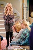 v.li.: Kristin Chenoweth (Miranda), Jaime Pressly (Jill), Anna Faris (Christy).
