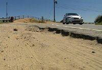 """Blick auf die """"Dead Man's Curve"""" des Mulholland Drive, die mörderischen Kurven der 55 Meilen langen Straße."""