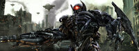 Shockwave (Bild) ist inzwischen doppelt gefährlich, weil er über ein Haustier verfügt, einen riesigen wurmähnlichen Roboter ...