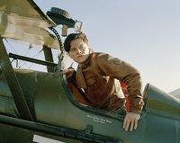 Dem charmanten und gut aussehenden MIllionär Howard Hughes (Leonardo DiCaprio) liegen die Frauen zu Füßen. Doch Hughes hat nur eine wahre Liebe: Das Fliegen und das Streben nach Perfektion ...