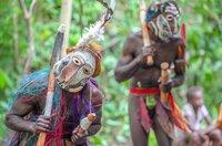 Im Dorf Luanari auf Malakula begehen die Menschen noch traditionelle Riten wie die Beschwörung der Buschgeister.