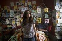 Clary (Lily Collins), ein scheinbar gewöhnliches Mädchen, wird von wagen Erinnerungsfetzen und seltsamen Runen verfolgt, bis plötzlich die Wahrheit über ihre wirkliche Identität auf sie hereinbricht: Clary ist eine Schattenjägerin und somit eine Halbengel-Kriegerin ...
