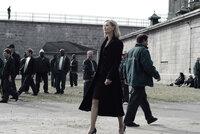 Direktorin Warden Hennessey (Joan Allen, M.) liebt extreme Spielchen und lässt die Gefangenen in ihrem Trakt tödliche Rennen veranstalten. Der Gewinn: Freiheit!