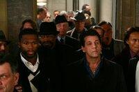 Möge das Wettspiel beginnen: Die Reichen, unter ihnen auch Jimmy (50 Cent, l.), setzen ihr Vermögen in einer skrupellosen Veranstaltung auf's Spiel: Jimmy (50 Cent, l.) und Ted (Chuck Zito, r.) ...
