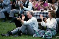 Jimmy Carter und Rosalynn Carter bei einem Konzert im Garten des Weißen Hauses im Jahr 1979