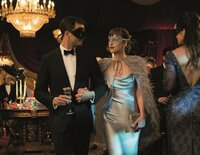 Christian Grey (Jamie Dornan, l.); Anastasia Steele (Dakota Johnson, r.)
