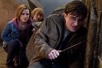 L-R: Harry Potter (Daniel Radcliffe), Hermione Granger (Emma Watson), Ron Weasley (Rupert Grint)