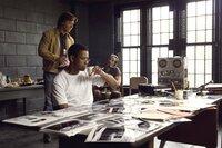 Frank (Denzel Washington, vorne) kann Richie (Russell Crowe) genau die richtigen Leute ans Messer liefern.