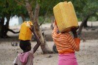 Die verlässliche Versorgung mit Trinkwasser ist für die Bevölkerung Namibias ein großes Problem.