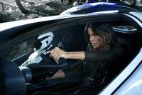 Entpuppt sich als eiskalte Undercover-Agentin, die ihrem Mann ans Leder will: Lori Quaid (Kate Beckinsale) ...