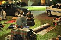 Nick Halsey (Will Ferrell) spricht mit Frank Garcia (Michael Peña)