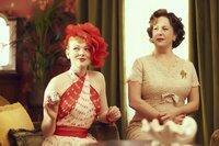 L-R: Gertrude Pratt (Sarah Snook), Una Pleasance (Sacha Horler)