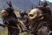 Gefährliche Gegner: Die Gemeinschaft wird von schrecklichen Orks verfolgt, die der böse Zauberer Saruman züchtet ...