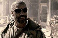 Eine dunkle Brille schützt Eli (Denzel Washington) vor der lebensbedrohenden Sonneneinstrahlung.