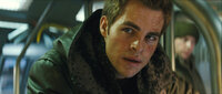 Kirk (Chris Pine)